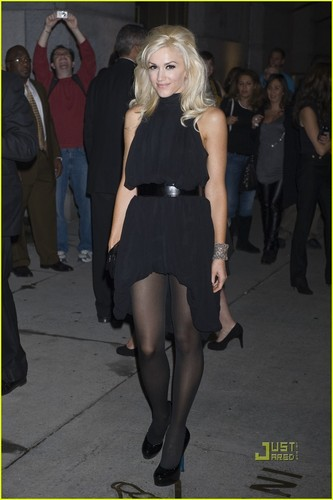 Gwen Stefani wallpaper with bare legs, a hip boot, and tights titled Gwen Stefani