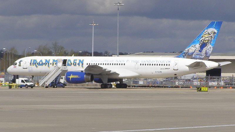 Iron-Maiden-s-Plane-iron-maiden-8700399-