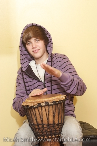 Justin Photoshoot justin bieber 8730942 321 480 Foto Justin Bieber