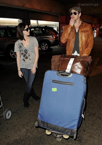 Kellan Lutz & Ashley Greene leave Vancouver
