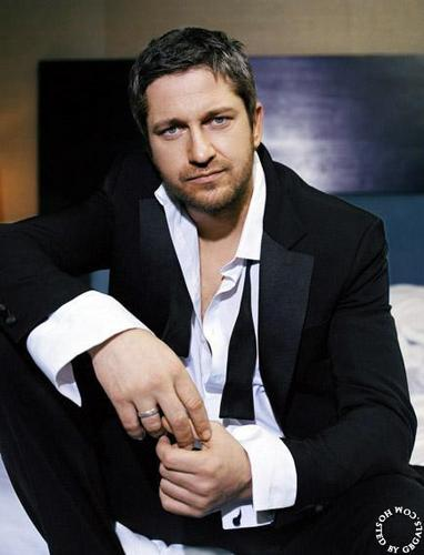 Gerard Butler wallpaper with a business suit, a suit, and a pinstripe called May 1, 2007 photoshoot