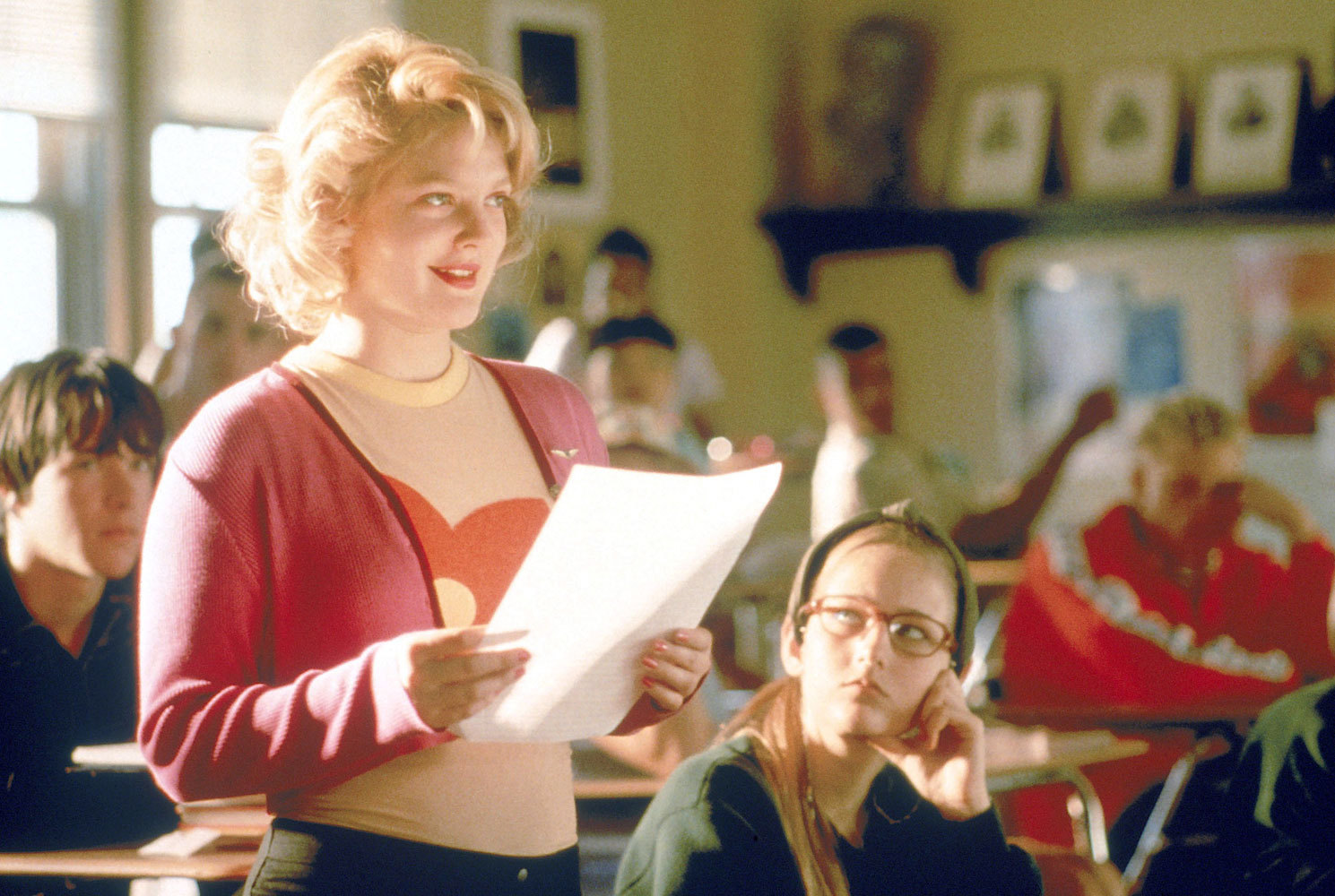 never been kissed Watch never been kissed online - a copy editor in her early 20s gets her chance to become a reporter at a chicago daily she's sent to do a feature on what cool.