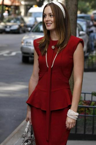Blair Waldorf wallpaper possibly with an overgarment, a well dressed person, and an outerwear entitled New 3x02 stills
