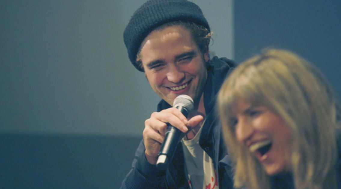 "New Rob and Cath pictures from ""Twilight: Meet the director and actor'"" (2008)-cuuute!!"