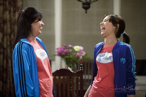 Sonny Munroe Hintergrund called Sonny With a Chance - Hart to Hart - promotional