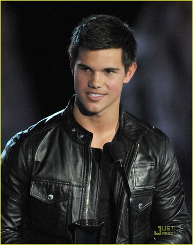 Taylor Lautner Break-out Performance Male