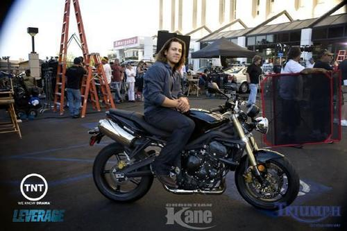 Christian Kane kertas dinding containing a motorcycle cop called ck