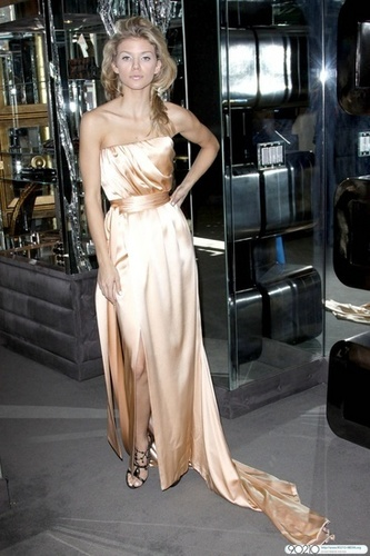 AnnaLynne gets fitted in House of Lloyd Klein Couture