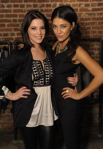 Ashley Greene & Друзья at Heartstrings Event
