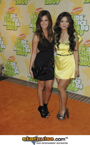 Ashley Tisdale and Brenda Song