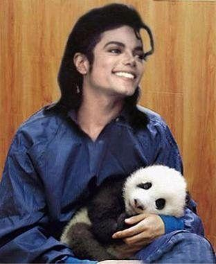 Awww, He's holding a wittle panda!!!