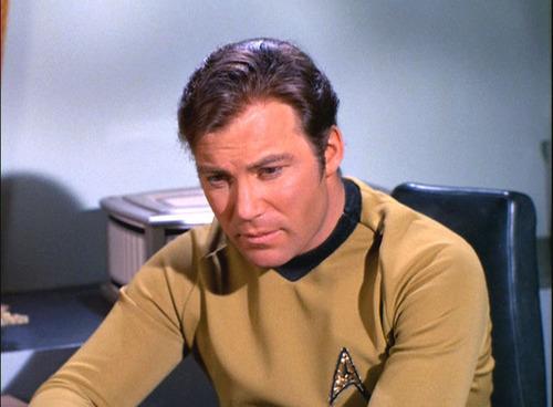 James T. Kirk fondo de pantalla entitled Captain Kirk in ''Requiem for Methuselah''