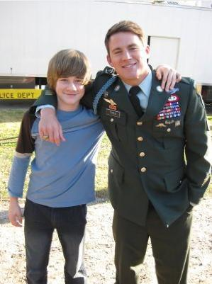 Dear John پیپر وال containing a green beret, وردی, and فتاگیس entitled Channing Tatum and Luke Benward