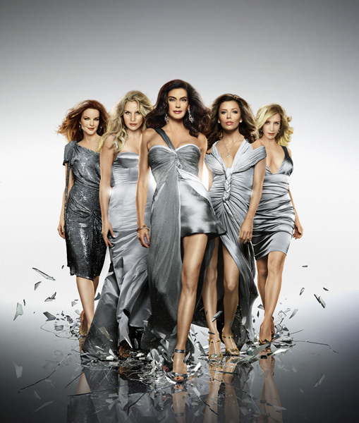 http://images2.fanpop.com/image/photos/8800000/Desperate-Housewives-desperate-housewives-8873026-509-600.jpg