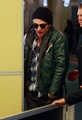 Even MORE of  ROBERT PATTINSON & KRISTEN STEWART LEAVING VANCOUVER - 10/29/09  - twilight-series photo