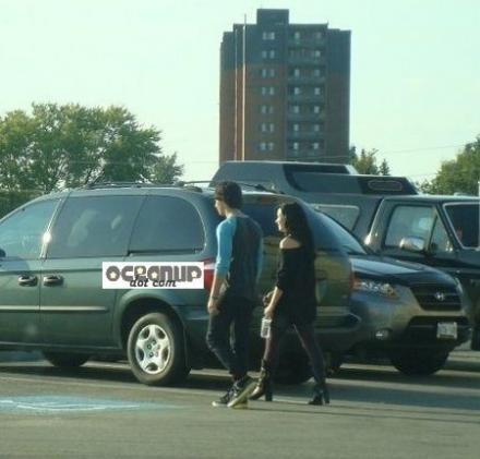 Jemi achtergrond with a busje, minibus titled Jemi