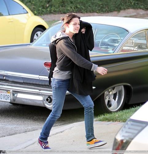 Kristen arriving home! :D