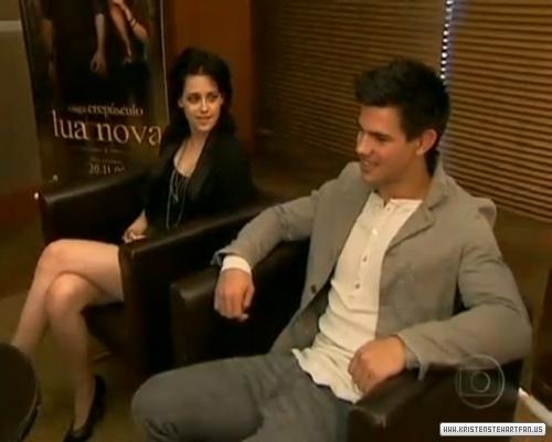 Kristen with Taylor Lautner in Brazil