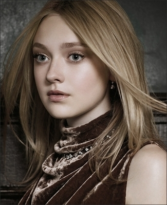 http://images2.fanpop.com/image/photos/8800000/Mark-Segal-Photoshoot-dakota-fanning-8893842-325-399.jpg
