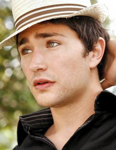 Matt Dallas wallpaper with a fedora, a boater, and a dress hat titled Matt Dallas