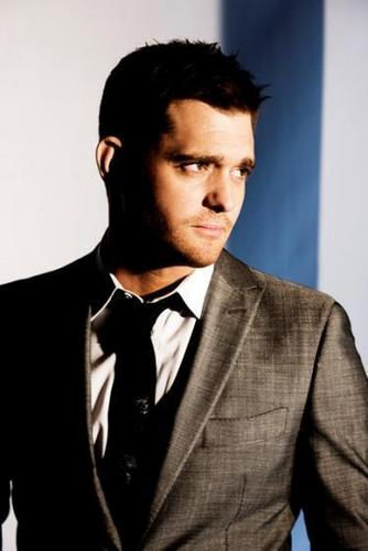 Michael Bublé 壁纸 containing a business suit, a suit, and a double breasted suit entitled Michael Buble - Crazy 爱情