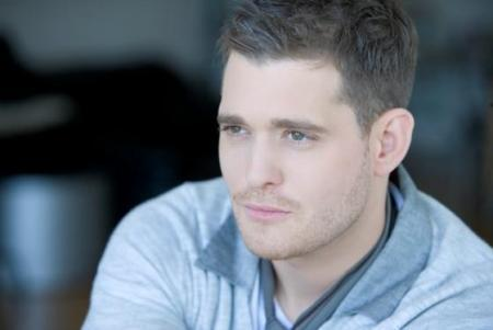 Michael Bublé 壁纸 containing a portrait called Michael Buble - Crazy 爱情