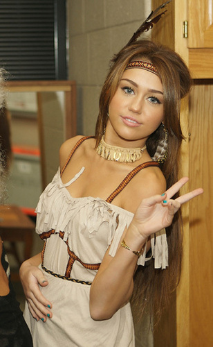 Miley Cyrus halloween 2009
