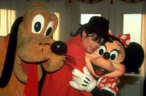 Minnie Gets Some Loving