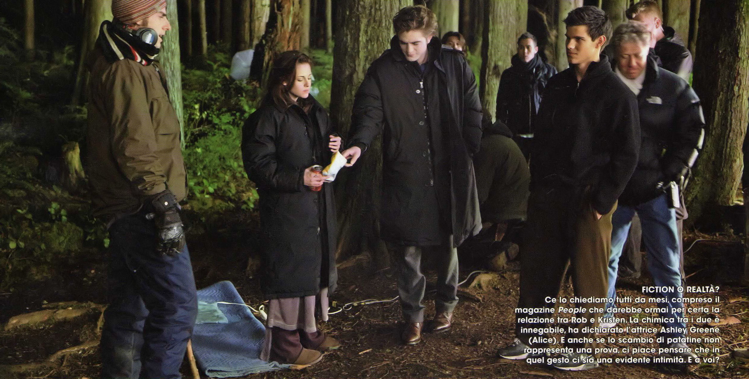 New Set picture from New Moon - Rob likes to steal Cibo