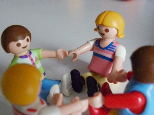 Playmobil makes دوستوں