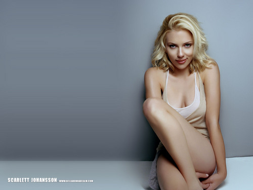 स्कार्लेट जोहानसन वॉलपेपर possibly with a leotard, a bustier, and a portrait called Scarlett Johansson