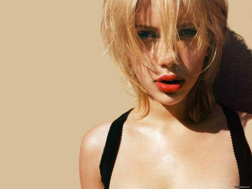 Scarlett Johansson wallpaper probably containing a portrait called Scarlett Johansson
