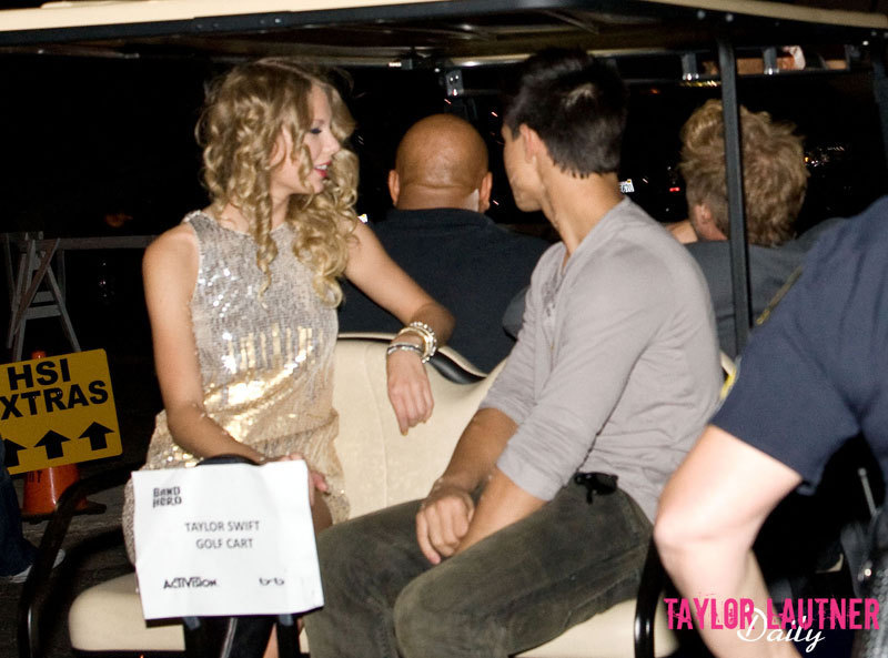 taylor swift and taylor lautner. taylor lautner and taylor