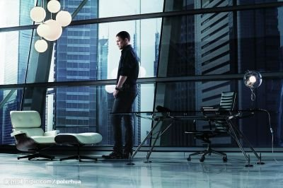 Wentworth Miller wallpaper possibly with a living room called Went - GM Chevrolet 2009