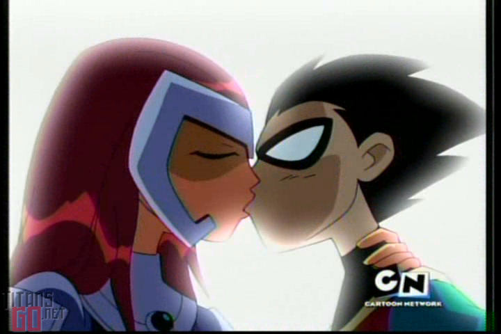 robin and star fire- kiss