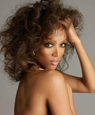 Tyra Banks wolpeyper containing skin and a portrait called tyra shoots