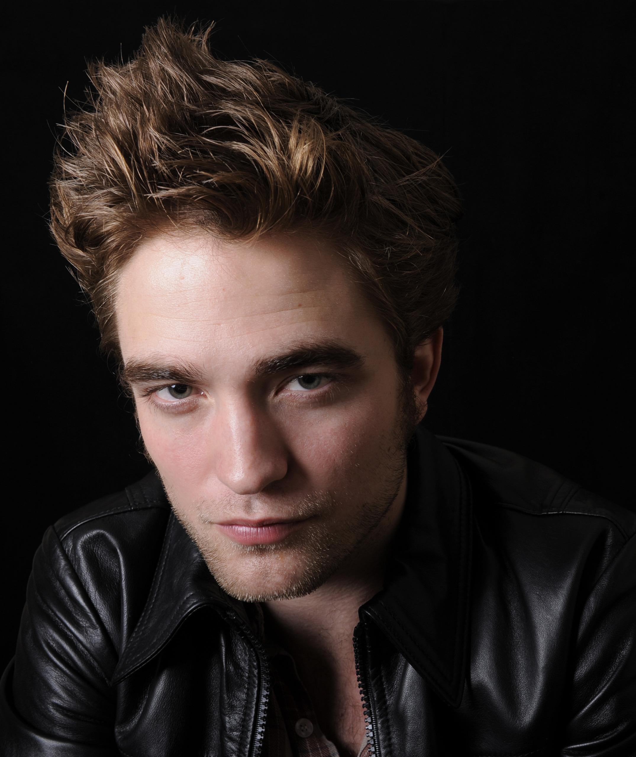 *New* Robert Pattinson HQ Pics