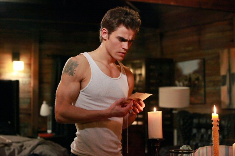 http://images2.fanpop.com/image/photos/8900000/1-10-the-turning-point-promo-photos-the-vampire-diaries-tv-show-8929096-800-533.jpg
