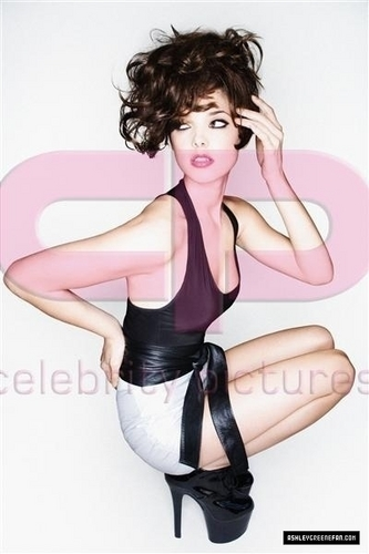 Ashley Greene - Fabulous magazine