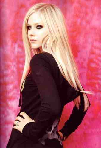 एव्रिल लावीन वॉलपेपर containing attractiveness, a bustier, and a portrait called Avril Lavigne