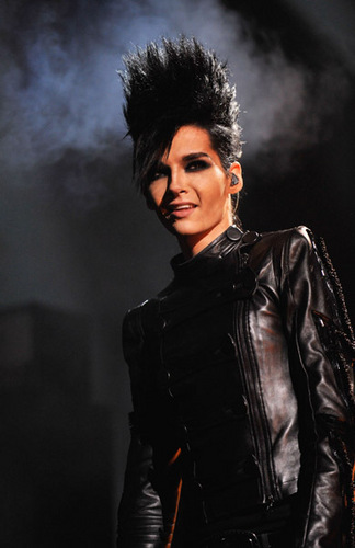 Bill Kaulitz achtergrond containing a concert called Bill Kaulitz at the EMA 2009