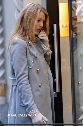 Blake Lively On Set of GG - November 9th