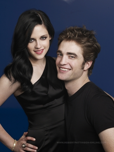 Can't be Edella. This is PURE ROBSTEN. Another reason to believe in them :)