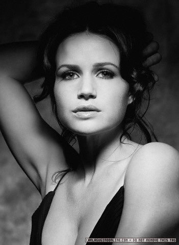 Carla Gugino | Unknown Photoshoot - carla-gugino Photo