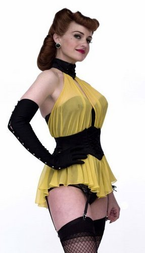 Carla Gugino as Sally Jupiter / Silk Spectre in 왓치맨
