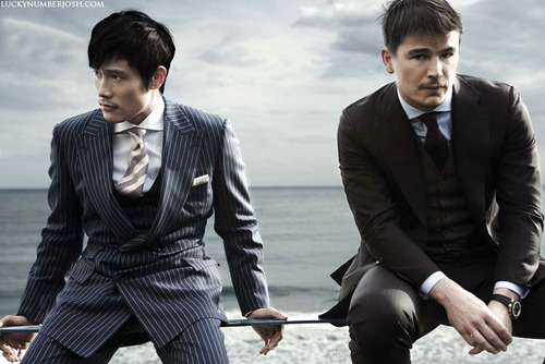 Josh Hartnett پیپر وال with a business suit, a suit, and a well dressed person entitled Cho Sun Hi (Korea Vogue Nov 09)