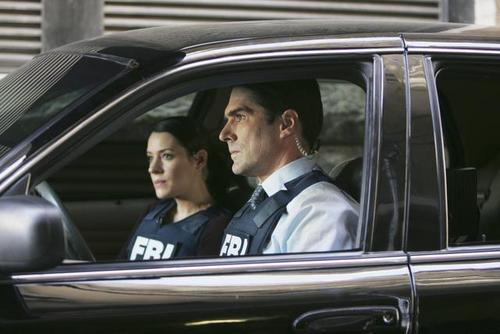 Hotch & Emily 壁纸 possibly with an automobile titled Criminal Minds - Episode 5.09 - 100 - Promotional 照片
