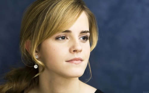 Emma Watson achtergrond containing a portrait titled Emma Watson