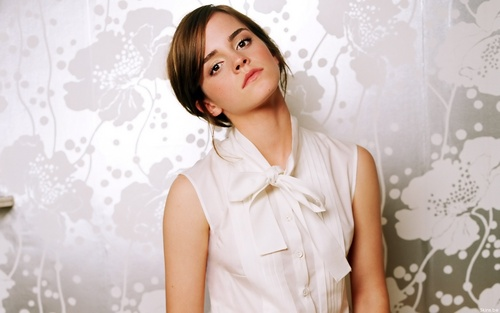 Emma Watson wolpeyper probably with a kaktel dress, a hapunan dress, and a portrait called Emma Watson
