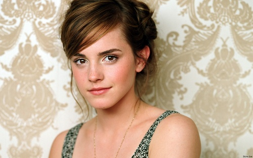 Emma Watson achtergrond possibly containing attractiveness and a portrait entitled Emma Watson